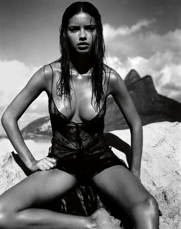 Adriana Lima - 2005